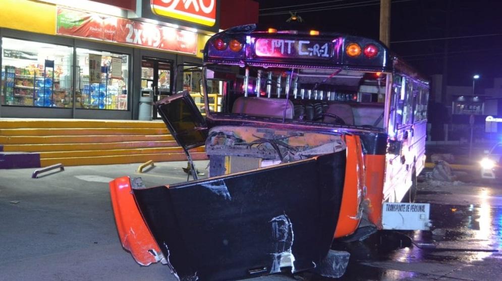 Camion de maquila impacta al quedarse sin frenos