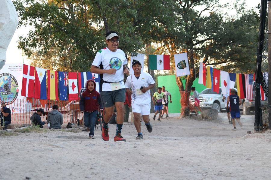 Arranca Ultramaratón Caballo Blanco; participan 22 países a distancia