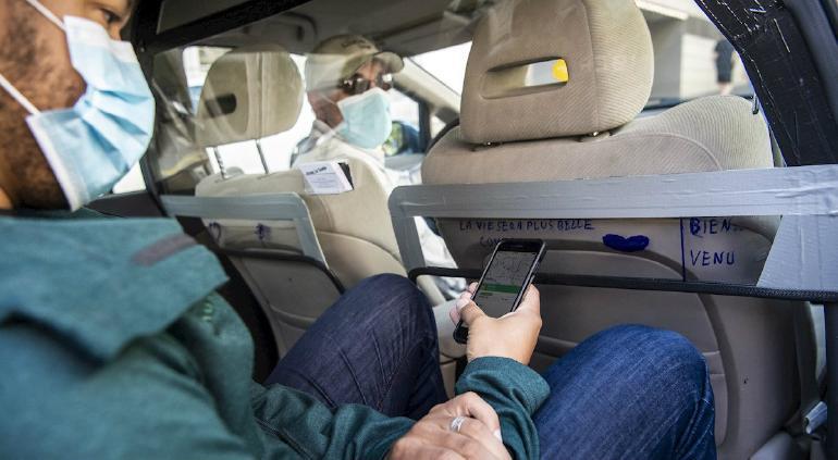 Multarán por no usar cubrebocas y autos con más de 2 pasajeros