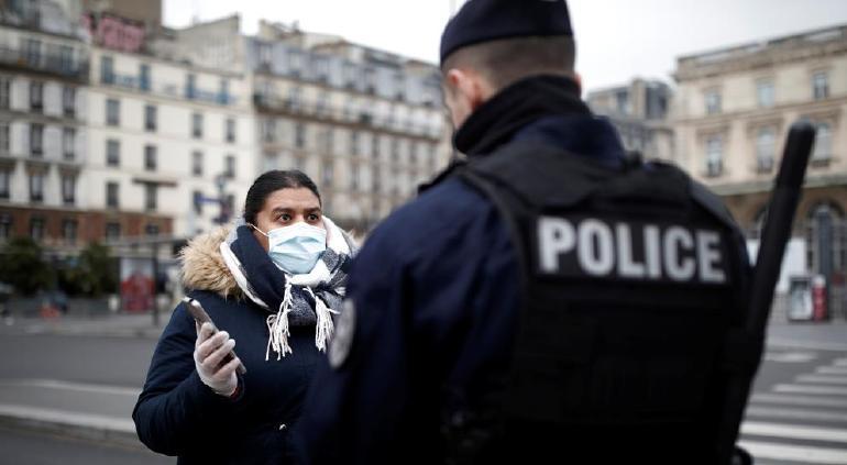 Frío detona COVID-19: ordena Francia confinamiento nacional