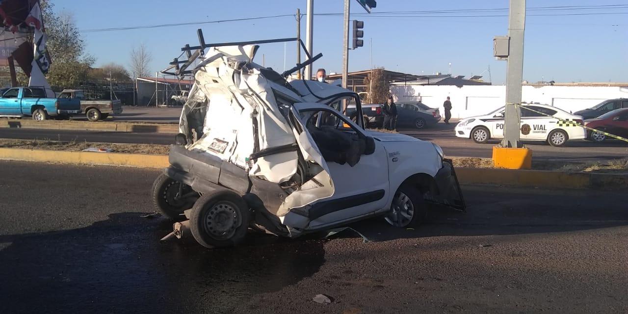 Cuauhtémoc > Autobús impacta vagoneta; un muerto y dos lesionados