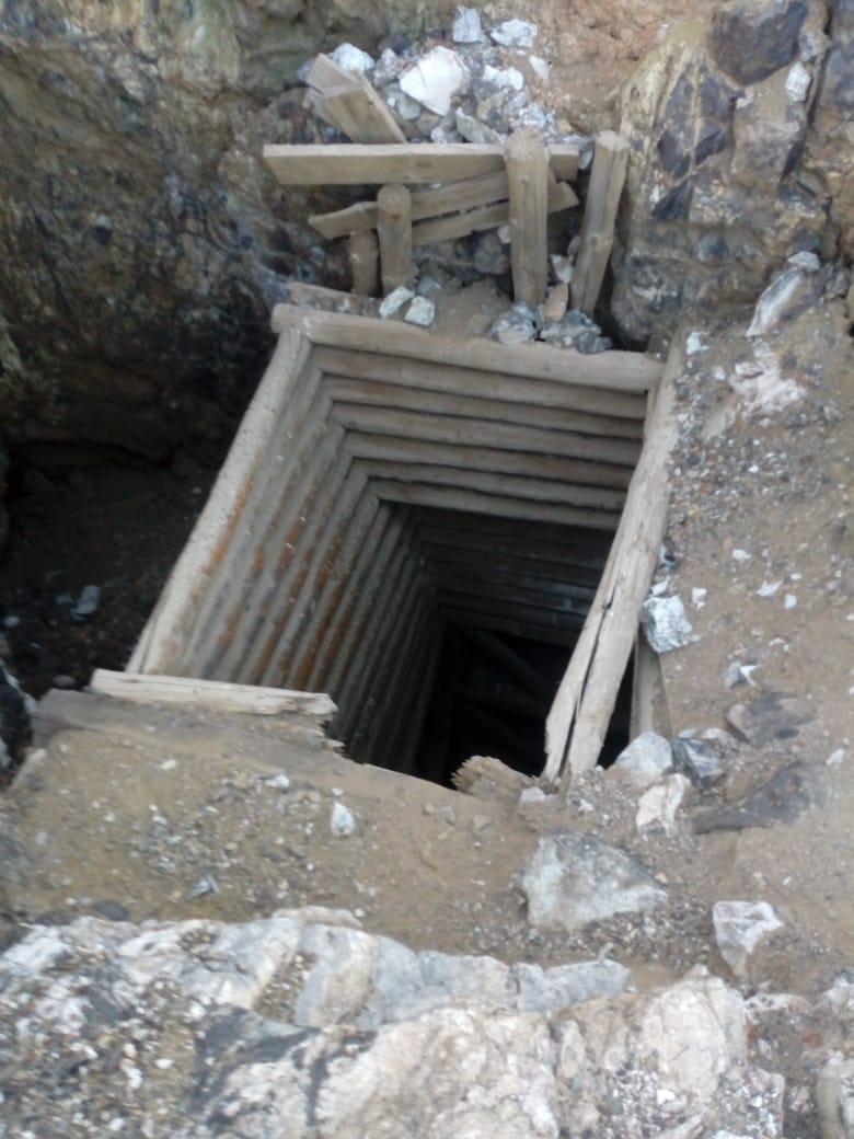 Guerrero > Encontraron dos cuerpos en tiro de mina