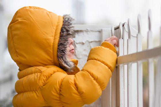 Recomiendan vestir varias capas de ropa en esta temporada de frío