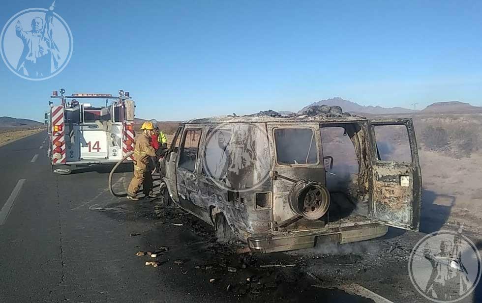 Regresaban de Zacatecas y se incendia su camioneta
