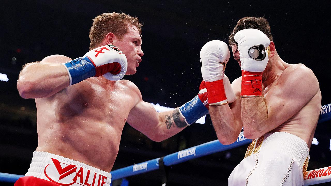 'Canelo' venció al invicto Callum Smith