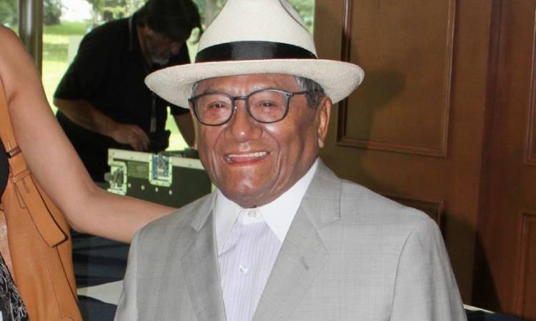 Mejora estado de salud de Armando Manzanero; será extubado en próximos días