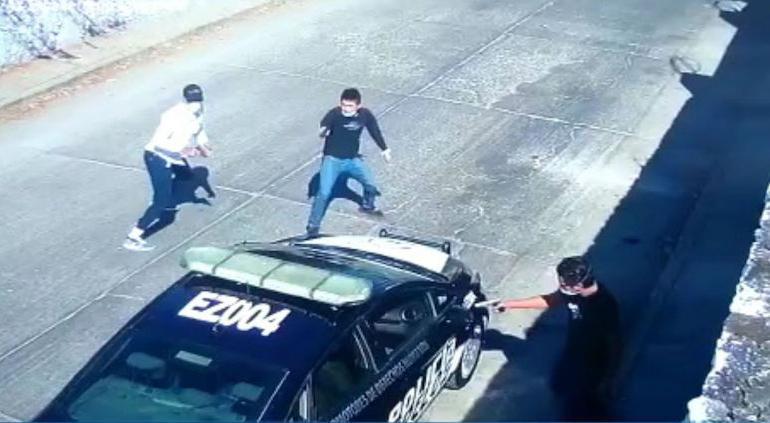 Fuertes imágenes; así ejecutaron a policía en su patrulla