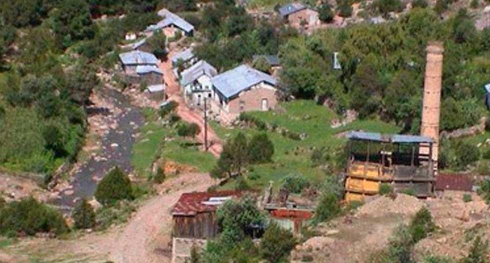 Se suicida en regadera de mina San Julián