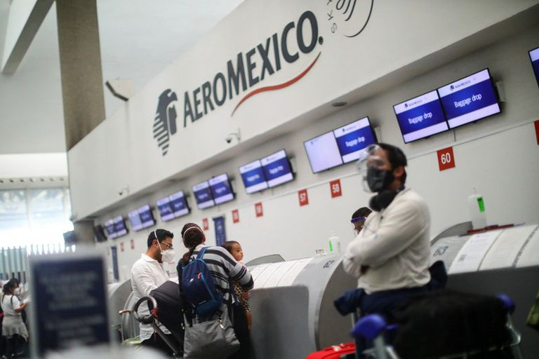 Cofepris autorizó laboratorios en aeropuerto de la CDMX para pruebas de COVID-19