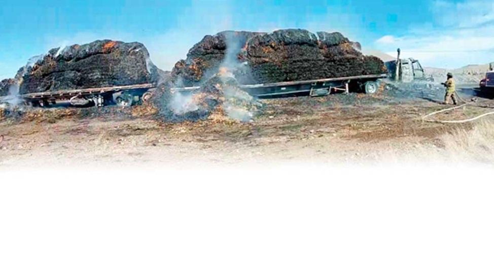 Bloquea incendio de camión carretera NCG-Galeana