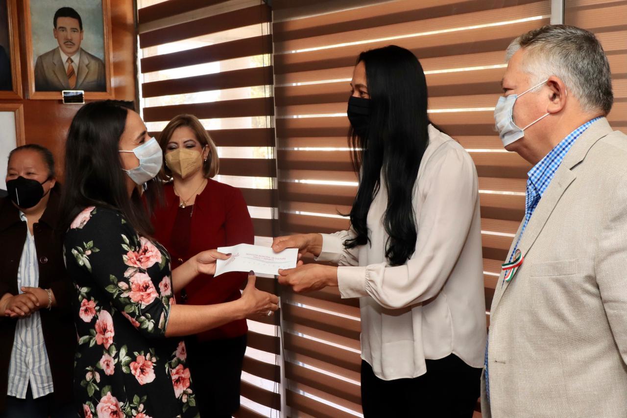 Entrega Gobierno Municipal de Cuauhtémoc estímulos económicos a cinco Comités Deportivos