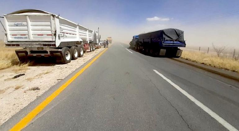 Cierran carretera Parral-Jiménez-Camargo por tolvaneras