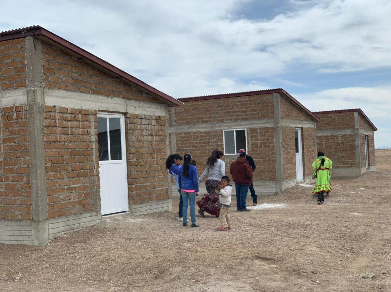 Entrega Estado 29 casas nuevas y 40 ampliaciones a comunidad ralámuli de Cusihuiriachi