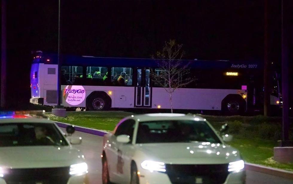 Deja 8 muertos tiroteo en Indianápolis