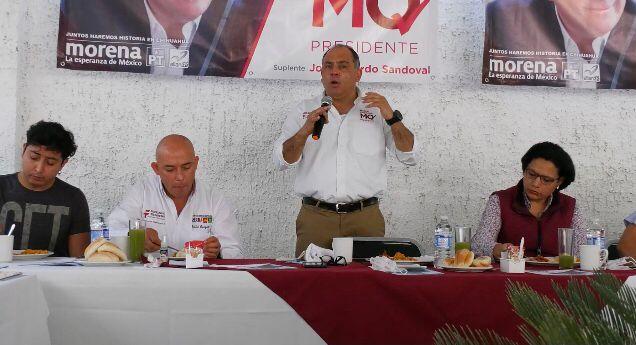 Se reúne y escucha Marco Quezada a creadores artístico-culturales de Chihuahua