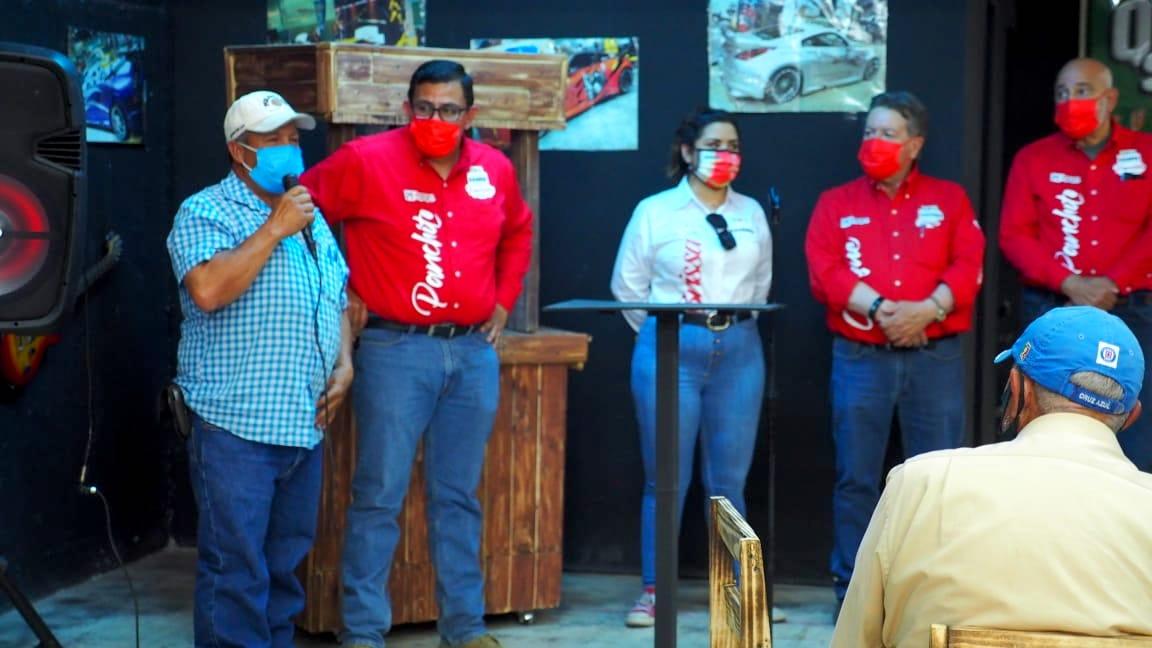 Cuauhtémoc > Mega tianguis para el comercio informal, propone Panchito Sáenz