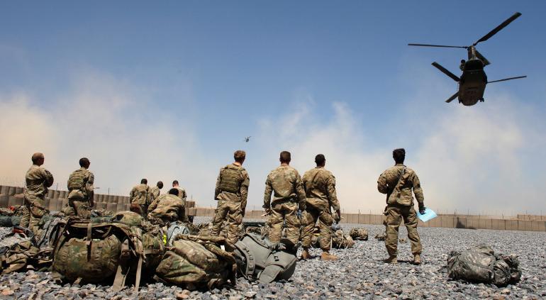 Inició EU retiro de tropas en Afganistán tras 20 años de guerra