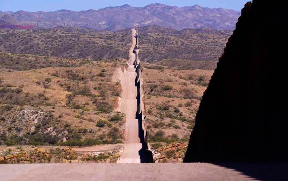 Gobernador de Texas anuncia construcción muro en la frontera con México