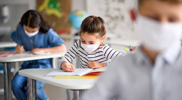 Alistan regreso a clases: Sanitizarán escuelas a partir de 1 de agosto