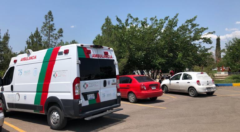 Reacciones por vacuna en Tec y UACH: trasladan a mujeres al hospital