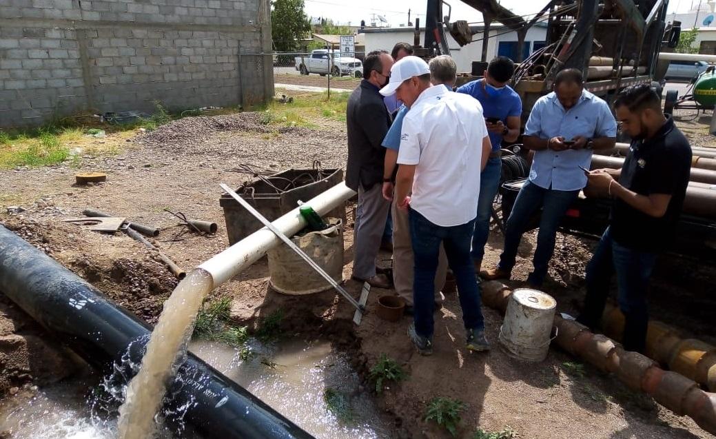 Familia Uriona habilita pozo para combatir escasez de agua en Jiménez