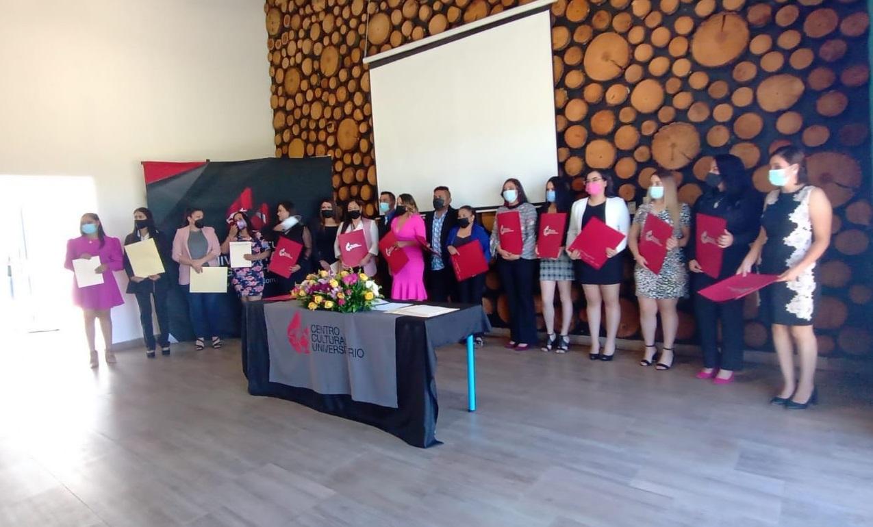 Entrega CCU Guachochi a la sociedad, licenciados y maestros: somos una realidad