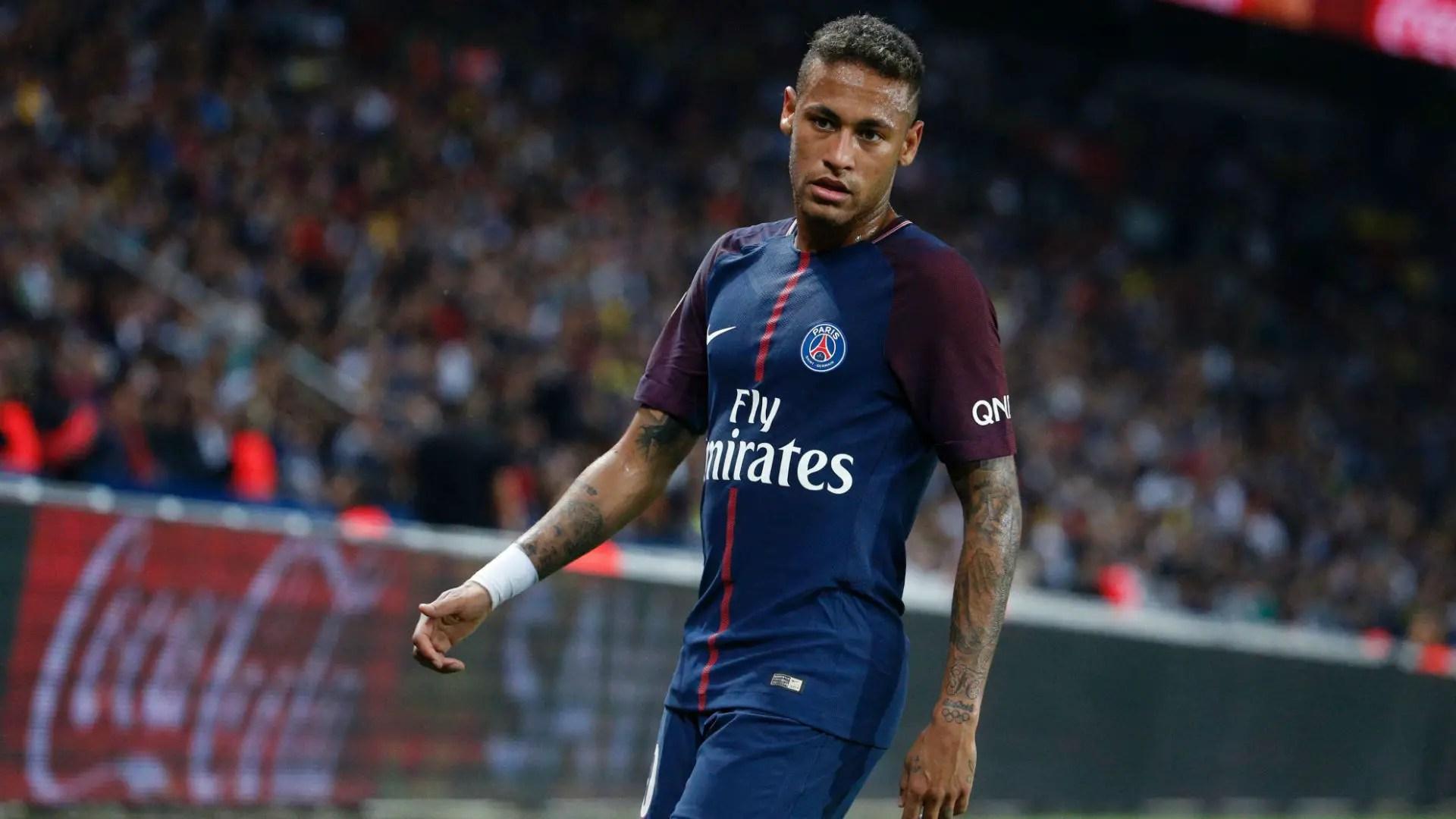 París SG y Neymar se divierten, Cavani iguala el récord de Ibrahimovic