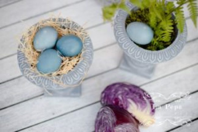 Dyeing Eggs Naturally with Red Cabbage