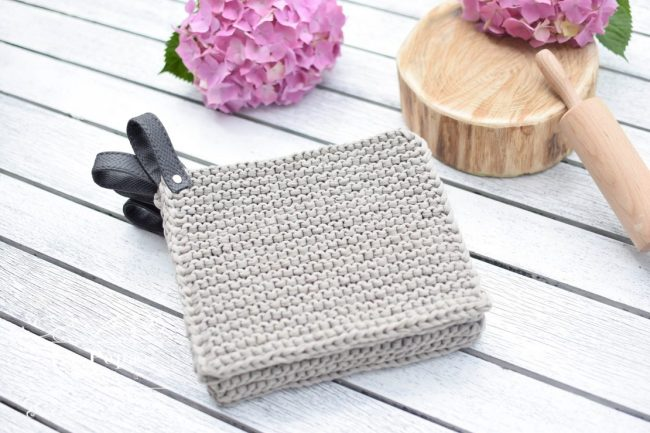 Hand knitted pot holders