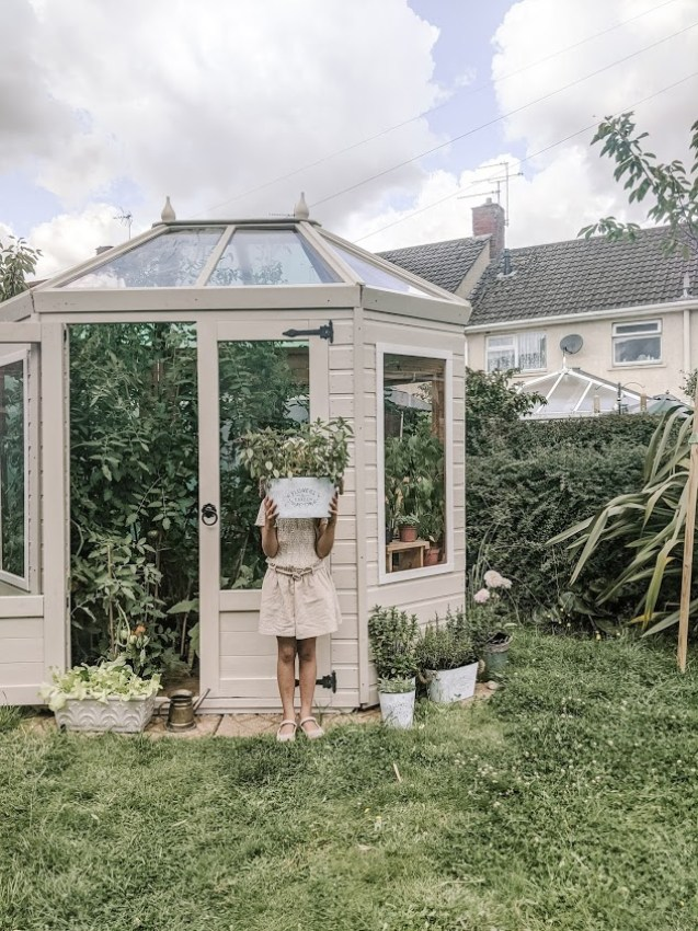 Green Living | Back Garden Greenhouse