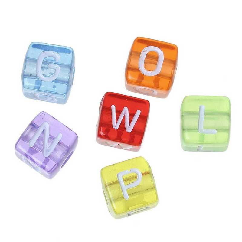 Lot 100 perles acrylique carrées alphabet multicolore 10 mm x 10 mm