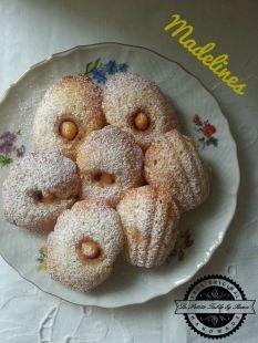 Madelines sa kremom od limuna i malinama