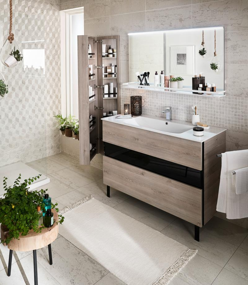 mais avant de penser a la couleur des murs au choix des serviettes et a la forme du robinet penchez vous sur l agencement de votre salle de bains