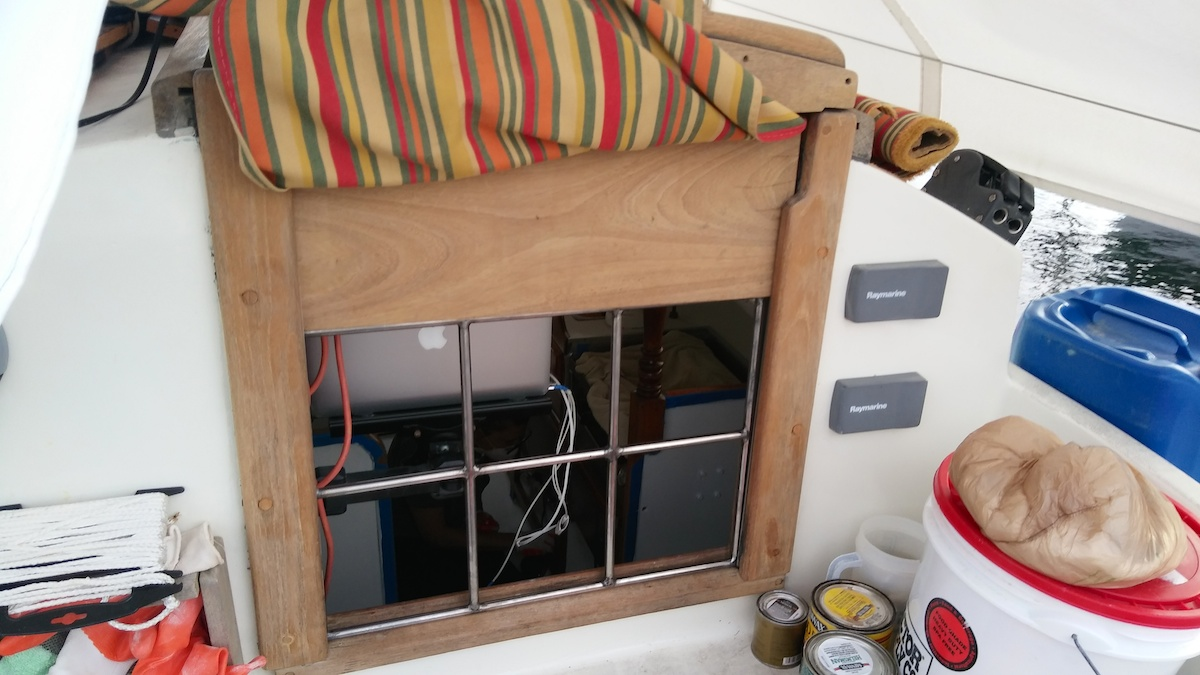 Simple anti-intrusion bars for our companionway