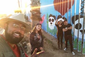 Un collectif transforme le mur entre le Mexique et les États-Unis en œuvre d'art ! (video)