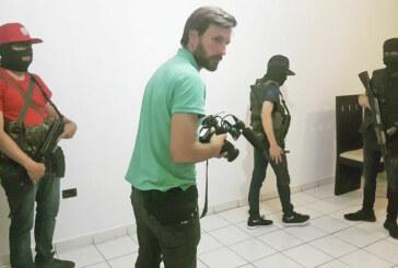 «Il a filmé le cartel de Sinaloa pour la TV française !» – Rencontre avec un journaliste courageux! (Voir vidéo complet)