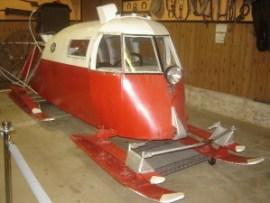Aeroslitta canadese al Barr Colony Heritage Cultural Centre Snowmobile