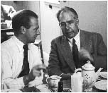 Werner Heisenberg e Niels Bohr (Fermilab, U.S. Department of Energy)