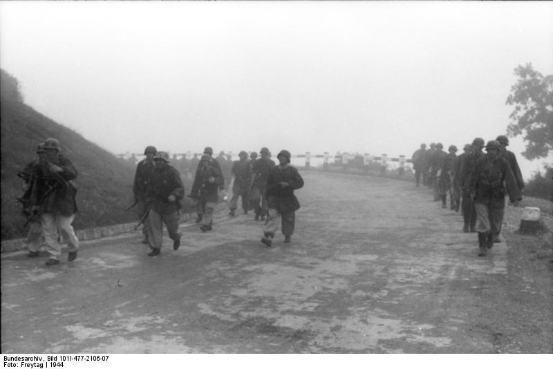 Bei Mailand, deutsche Soldaten auf dem Marsch