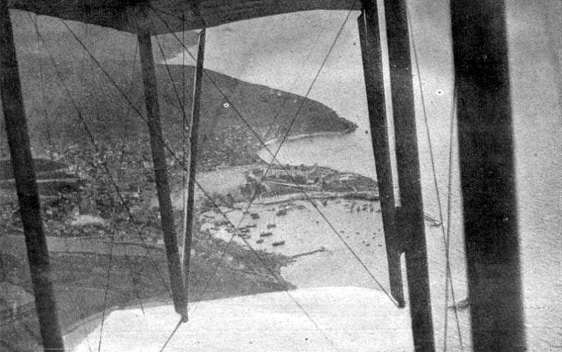 Aerial_view_Dardanelles_town_1915_1