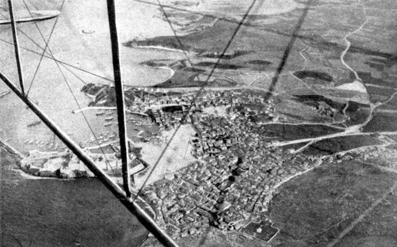 Aerial_view_Dardanelles_town_1915_2