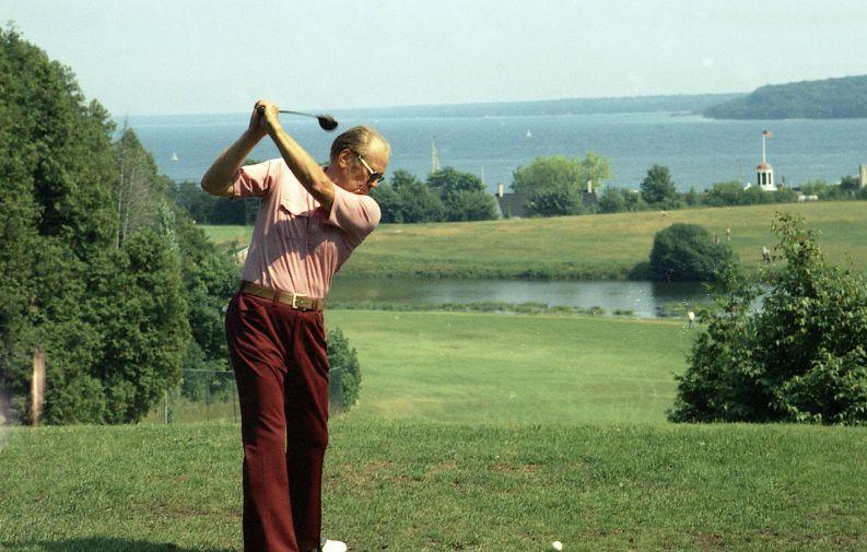 Il presidente durante una partita di golf, 1975