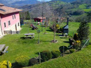 Vista del jardín de La Quintana de Romillo en Asturias