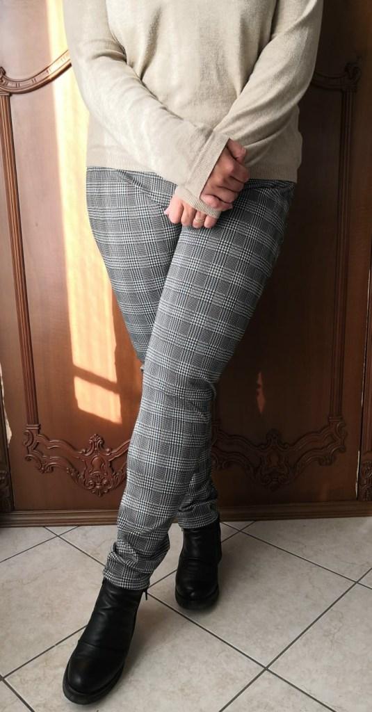 come cucire un paio di pantaloni