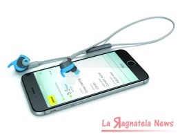 Blue_Jabra_Sport_Coach_iPhone