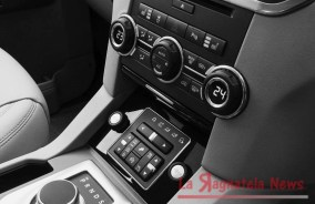 2014-Land-Rover-Discovery-4-SDV6-HSE-Review-2703