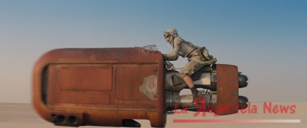 Daisy-Ridley-Speeder-Force-Awakens