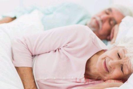 Anziani e sonno, un rapporto difficile: ecco perché