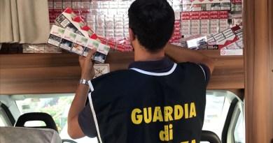 Sigarette contrabbando nel Casertano, in tre si costituiscono alla Fiamme Gialle