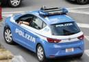 Incastrato dal giubbotto di tendenza, Polizia ferma ladro di smartphone